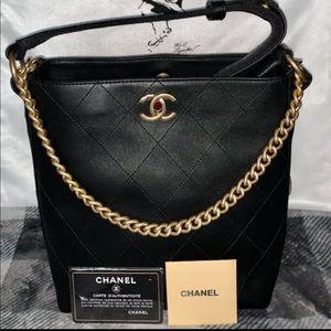 Chanel hope bucket